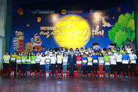 Vietbank trao học bổng cho trẻ em mái ấm TP.HCM dịp Trung thu 2018