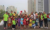 Trung thu nghĩa tình tại xóm nghèo ven sông Sài Gòn