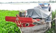 Chở hàng chục tấn hàng lậu, bị phát hiện nhảy sông bỏ trốn