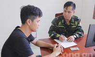 """Liên tục bắt nhiều sà lan cát """"tặc"""" khủng ở Sài Gòn"""
