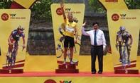 Lê Văn Duẩn lần đầu nhất chặng, David van Eerd đoạt lại áo vàng