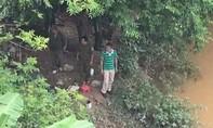 Thi thể nghi của người vợ bị chồng giết phi tang xác, trôi sang Trung Quốc