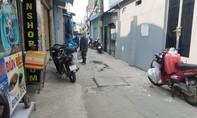 Ô tô chở vật liệu lùi vào hẻm, bé 2 tuổi tử vong thương tâm