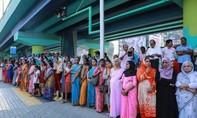 Ba triệu phụ nữ xếp hàng dài 620 km phản đối lệnh cấm vào đền