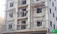 Đổ giàn giáo công trình khách sạn cao tầng, 2 người tử vong