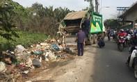 Quận 9, TP.HCM: Xử lý rác bằng cách… lùa hết xuống kênh!
