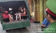 """Hơn 50 dân chơi ở Biên Hoà """"bay lắc"""" trong quán karaoke"""