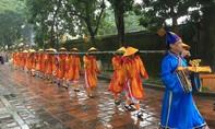 Kinh thành Huế dựng cây Nêu đón Tết