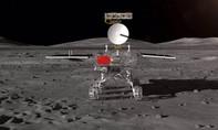 """Lần đầu tiên tàu thăm dò Trung Quốc đáp xuống """"vùng tối"""" của Mặt trăng"""