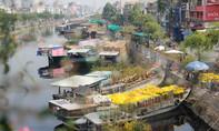 Nhộn nhịp chợ hoa trên sông duy nhất ở Sài Gòn