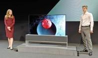 LG ra mắt màn hình tivi có thể thu lại như cửa cuốn