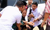 Bộ trưởng An ninh Indonesia bị kẻ khủng bố đâm trọng thương