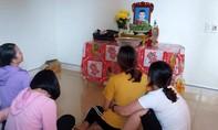 Nhiều gia đình ở Nghệ An, Hà Tĩnh đã lập bàn thờ cúng vọng