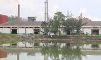 Người dân giám sát nhà máy cồn Đại Tân xử lý 9.000 m3 dịch tồn