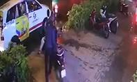Clip cận cảnh vụ trộm xe Vespa Sprint ở TPHCM