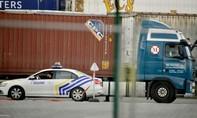 Bỉ lại phát hiện 12 người di cư trốn trong xe container đông lạnh