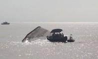 Tàu hơn 6.000 tấn cùng 12 người bị chìm ngoài biển