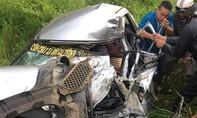 Xe tải tông trực diện ôtô của cơ sở cơm chay từ thiện, 1 người tử nạn