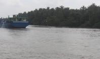Sà lan chở 1.300 tấn chở than đá chìm trên kênh Chợ Gạo