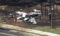 Máy bay va chạm với ô tô trên cao tốc, 3 người thương vong