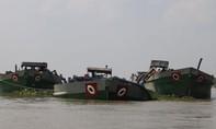 Bắt quả tang 14 xà lan hút cát trên sông Cổ Chiên, Hàm Luông