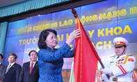 Trường ĐH Y khoa Phạm Ngọc Thạch nhận Huân chương Lao động hạng Nhì