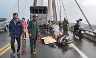 Cầu Rạch Miễu ùn tắc hơn 5km vì TNGT chết người trên cầu