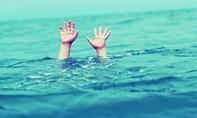 Đi du lịch, bé trai 4 tuổi chết đuối tại hồ bơi khách sạn