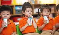 Hơn 300.000 trẻ em ở TPHCM thụ hưởng chương trình sữa học đường