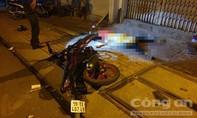 Xe máy chạy tốc độ cao ôm cua lao lên vỉa hè, nam thanh niên tử nạn