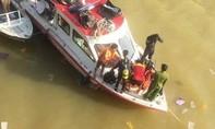 Để lại xe máy trên cầu, thanh niên nhảy xuống sông Hương tự vẫn