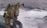 Cảnh sát Tây Ban Nha bắt tàu ngầm chở hơn 2 tấn cocaine