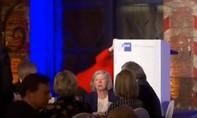Clip khiến nhiều người hoài nghi về sức khỏe Thủ tướng Đức Merkel