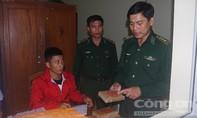 Thu giữ lượng lớn nghi heroin dạt vào bờ biển Quảng Nam