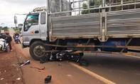 Xe mô tô phân khối tông cực mạnh xe tải, một người tử vong