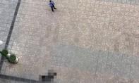Cụ bà rơi từ tầng 20 xuống đất, nghi tự tử