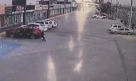 Cảnh sát bắt hụt con trai trùm băng đảng bị trả thù bằng 155 phát đạn
