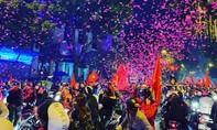 Cả nước xuống đường mừng chiến thắng lịch sử của U22 Việt Nam