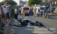 Người phụ nữ đi xe máy tử vong tại chỗ sau va chạm xe tải