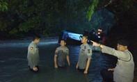 Xe buýt lao xuống vực sông ở Indonesia, 25 người chết