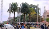 Rào đường trái phép dựng sân khấu hoành tráng chào năm 2020