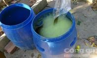 """Bắt quả tang 2 cơ sở sản xuất nước rửa chén """"bẩn"""""""