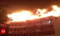 Cháy khách sạn ở thủ đô Ấn Độ, nhiều người thương vong