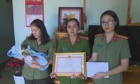 Công an tỉnh Đắk Lắk hỗ trợ nuôi bé sơ sinh bị vứt bỏ ở hố rác