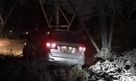 Ô tô gây tai nạn khiến 2 người trọng thương rồi bỏ chạy
