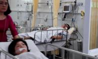 Tập trung cứu chữa 11 du khách nước ngoài