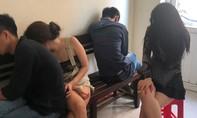 Phát hiện nhóm nam nữ phê ma túy trong khách sạn