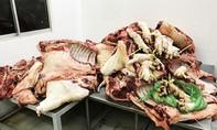 Thịt không rõ nguồn gốc, hết hạn sử dụng tràn lan tại các kho ở Sài Gòn