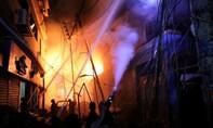Ít nhất 56 người chết trong vụ cháy chung cư ở Bangladesh