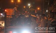 Ngã ra đường sau va chạm, nam công nhân bị xe container cán chết thảm